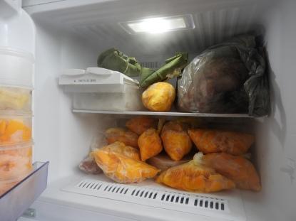 Frozen mango for mango smoothie